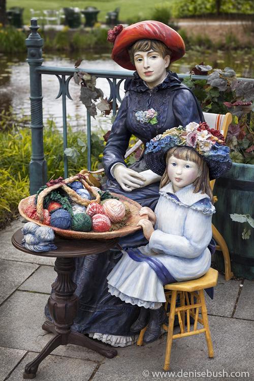 'The Spinner & Her Daughter'  © Denise Bush © Sculpture by Seward Johnson