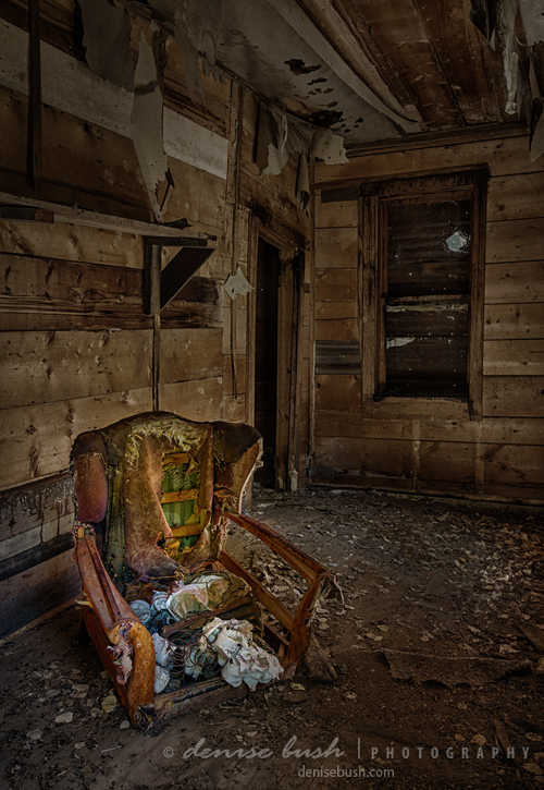 'Come Sit A Spell' © Denise Bush